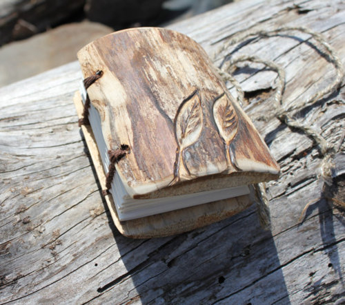 etsygoodies:(via Handbound wood journal 4 x 31/2 by crearting on Etsy)